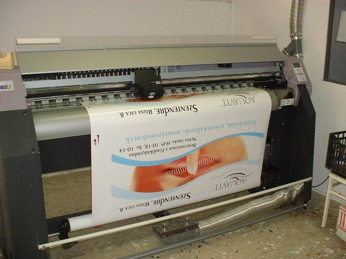Cégtábla digitálisan nyomtatva